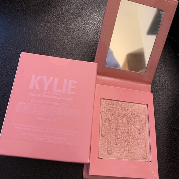 Kylie Cosmetics Other - Kylie Cosmetics Blush Strawberry Shortcake